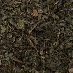 Brandnetel bladeren gesneden